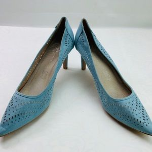 Atmosphere light blue pointed toe heels size 10